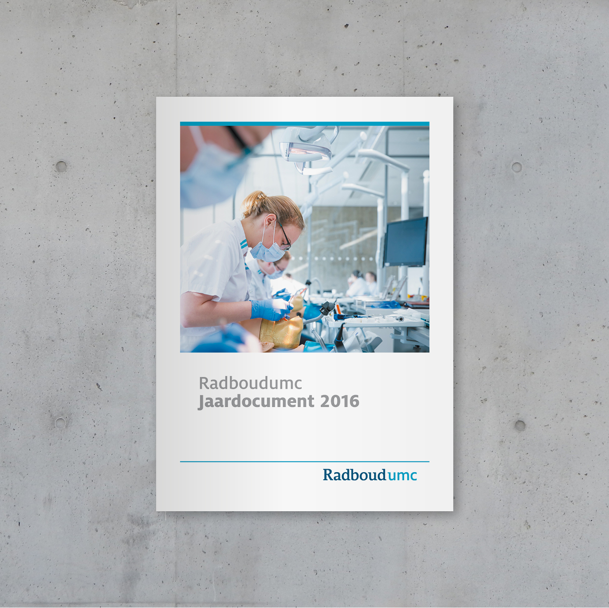 Jaarverslag brochure corporate communicatie Radboudumc - Communicatiebureau Puntkomma Nijmegen